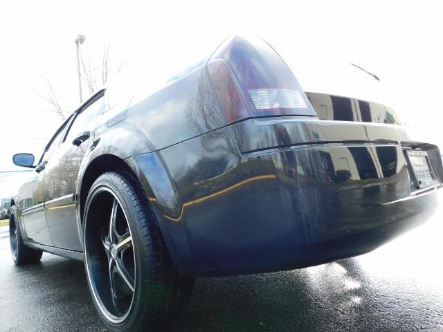 "2007 Chrysler 300 Series Sedan / V6 2.7 L / 2-tone BLACK-SILVER / 22 "" RIMS - Photo 11 - Portland, OR 97217"