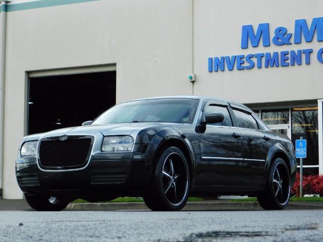 "2007 Chrysler 300 Series Sedan / V6 2.7 L / 2-tone BLACK-SILVER / 22 "" RIMS - Photo 40 - Portland, OR 97217"