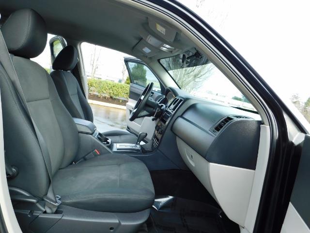"2007 Chrysler 300 Series Sedan / V6 2.7 L / 2-tone BLACK-SILVER / 22 "" RIMS - Photo 17 - Portland, OR 97217"