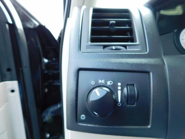"2007 Chrysler 300 Series Sedan / V6 2.7 L / 2-tone BLACK-SILVER / 22 "" RIMS - Photo 39 - Portland, OR 97217"