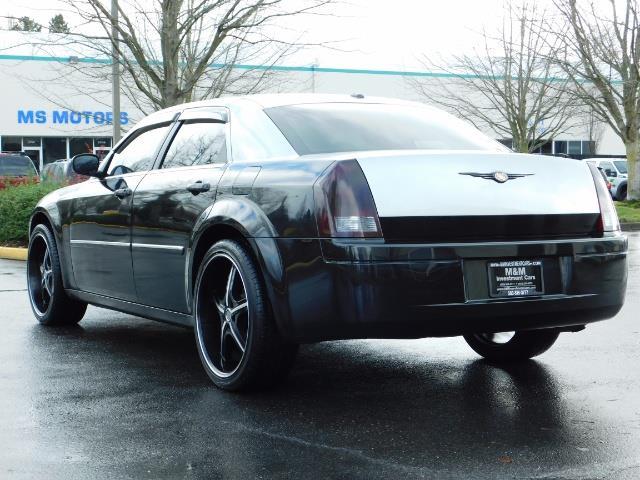 "2007 Chrysler 300 Series Sedan / V6 2.7 L / 2-tone BLACK-SILVER / 22 "" RIMS - Photo 7 - Portland, OR 97217"