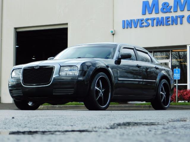 "2007 Chrysler 300 Series Sedan / V6 2.7 L / 2-tone BLACK-SILVER / 22 "" RIMS - Photo 41 - Portland, OR 97217"