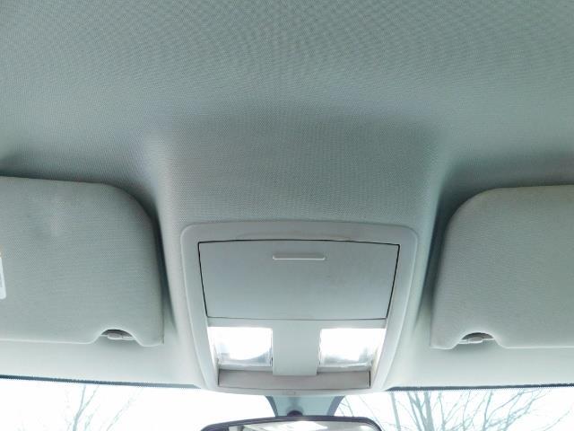 "2007 Chrysler 300 Series Sedan / V6 2.7 L / 2-tone BLACK-SILVER / 22 "" RIMS - Photo 35 - Portland, OR 97217"
