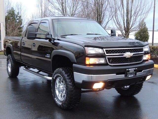 2006 Chevrolet Silverado 3500 LT3/4X4/ Duramax Diesel / Leather/Moonroof/ LIFTED