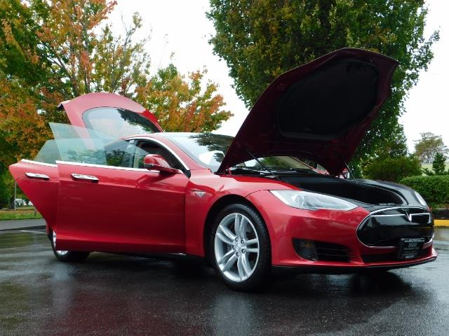 2013 Tesla Model S 85K / Leather / Tech  Pkg / Active air suspension - Photo 30 - Portland, OR 97217