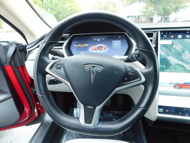 2013 Tesla Model S 85K / Leather / Tech  Pkg / Active air suspension - Photo 36 - Portland, OR 97217