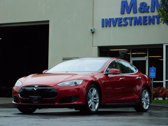 2013 Tesla Model S 85K / Leather / Tech  Pkg / Active air suspension - Photo 47 - Portland, OR 97217