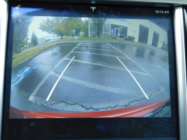 2013 Tesla Model S 85K / Leather / Tech  Pkg / Active air suspension - Photo 20 - Portland, OR 97217
