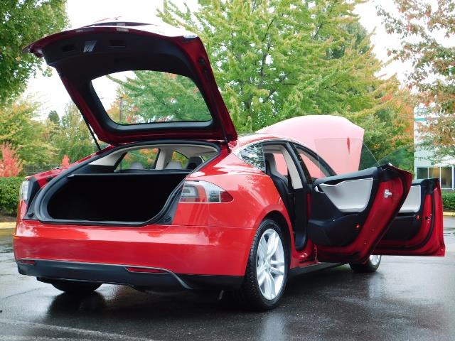 2013 Tesla Model S 85K / Leather / Tech  Pkg / Active air suspension - Photo 29 - Portland, OR 97217