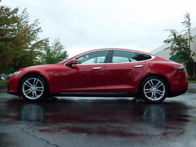 2013 Tesla Model S 85K / Leather / Tech  Pkg / Active air suspension - Photo 3 - Portland, OR 97217