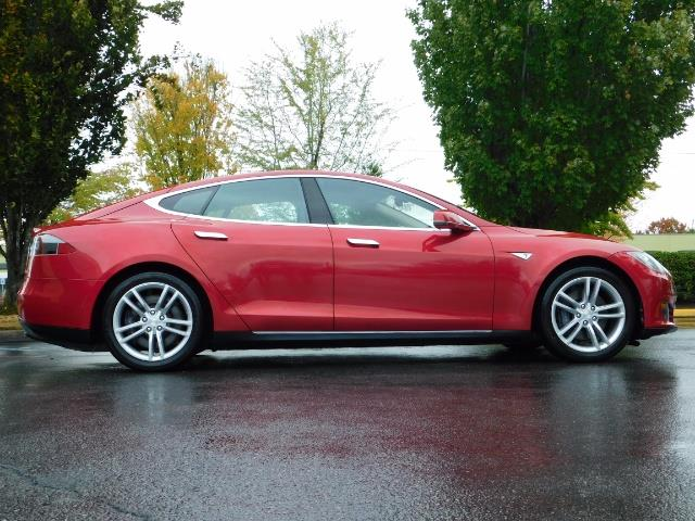 2013 Tesla Model S 85K / Leather / Tech  Pkg / Active air suspension - Photo 4 - Portland, OR 97217