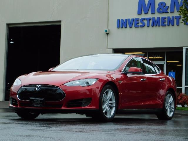 2013 Tesla Model S 85K / Leather / Tech  Pkg / Active air suspension - Photo 1 - Portland, OR 97217
