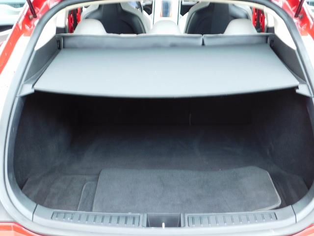 2013 Tesla Model S 85K / Leather / Tech  Pkg / Active air suspension - Photo 22 - Portland, OR 97217
