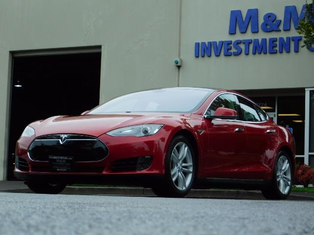 2013 Tesla Model S 85K / Leather / Tech  Pkg / Active air suspension - Photo 48 - Portland, OR 97217