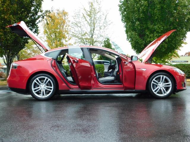 2013 Tesla Model S 85K / Leather / Tech  Pkg / Active air suspension - Photo 24 - Portland, OR 97217