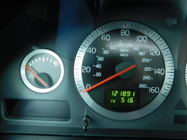 2007 Volvo XC70 AWD WAGON / HEATED LEATHER / MOON ROOF / TURBO - Photo 20 - Portland, OR 97217