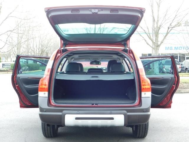 2007 Volvo XC70 AWD WAGON / HEATED LEATHER / MOON ROOF / TURBO - Photo 27 - Portland, OR 97217