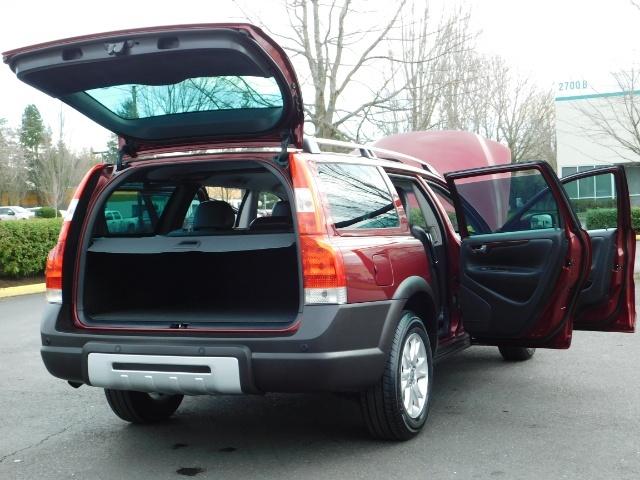 2007 Volvo XC70 AWD WAGON / HEATED LEATHER / MOON ROOF / TURBO - Photo 29 - Portland, OR 97217