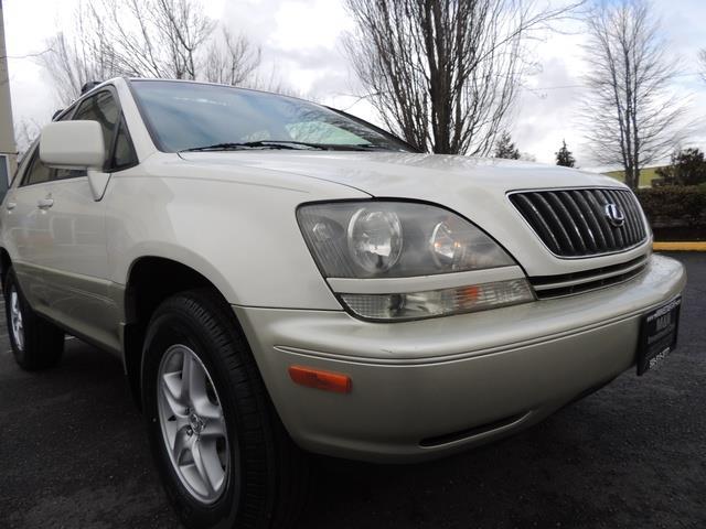 1999 Lexus RX 300 / AWD / Leather / Sunroof / Great Conditon - Photo 10 - Portland, OR 97217