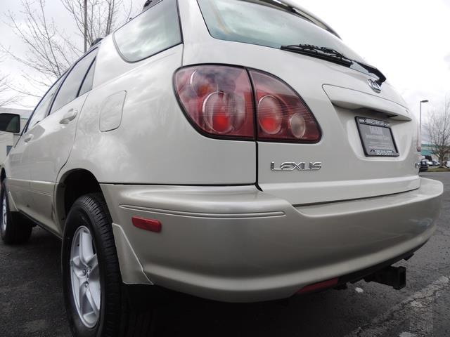 1999 Lexus RX 300 / AWD / Leather / Sunroof / Great Conditon - Photo 11 - Portland, OR 97217