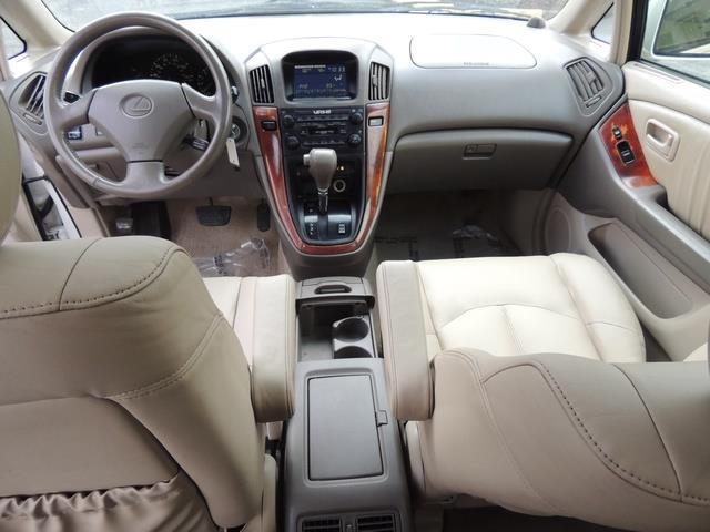 1999 Lexus RX 300 / AWD / Leather / Sunroof / Great Conditon - Photo 35 - Portland, OR 97217