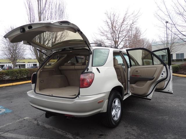 1999 Lexus RX 300 / AWD / Leather / Sunroof / Great Conditon - Photo 29 - Portland, OR 97217