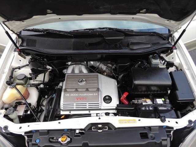 1999 Lexus RX 300 / AWD / Leather / Sunroof / Great Conditon - Photo 32 - Portland, OR 97217