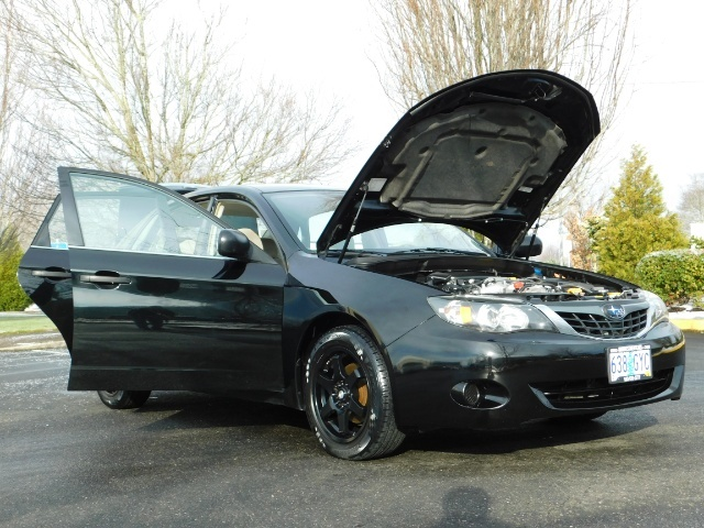 2008 Subaru Impreza 2.5i / Sedan 4-Door / AWD / 5-SPEED MANUAL - Photo 10 - Portland, OR 97217