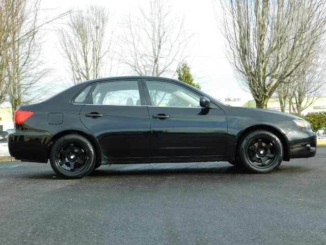 2008 Subaru Impreza 2.5i / Sedan 4-Door / AWD / 5-SPEED MANUAL - Photo 4 - Portland, OR 97217