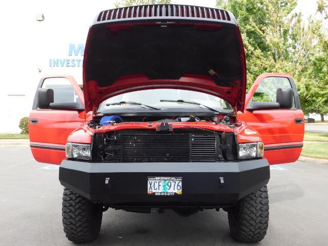 1998 Dodge Ram 2500 Laramie SLT / 4X4 / 5.9L DIESEL / 12-VALVE / 5-SPD - Photo 32 - Portland, OR 97217