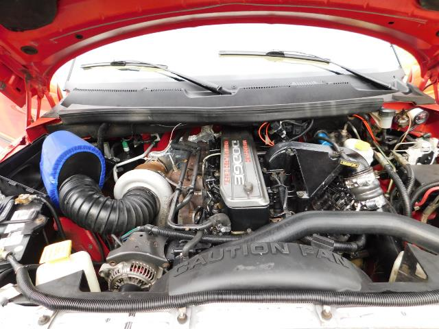 1998 Dodge Ram 2500 Laramie SLT / 4X4 / 5.9L DIESEL / 12-VALVE / 5-SPD - Photo 33 - Portland, OR 97217