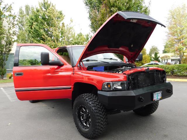 1998 Dodge Ram 2500 Laramie SLT / 4X4 / 5.9L DIESEL / 12-VALVE / 5-SPD - Photo 31 - Portland, OR 97217