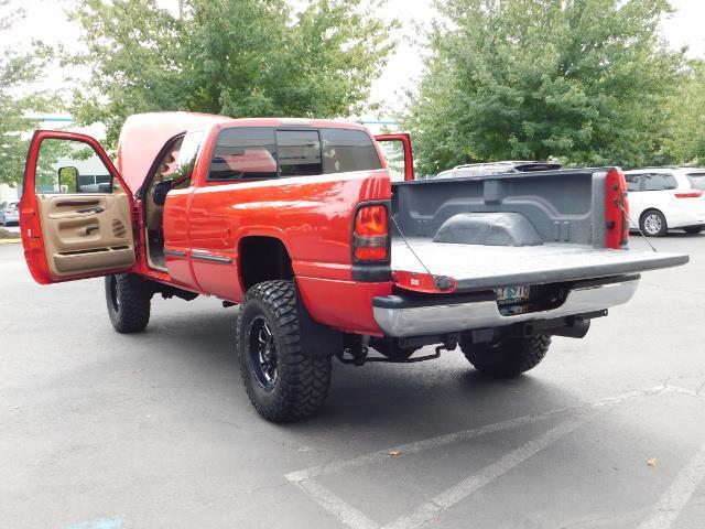 1998 Dodge Ram 2500 Laramie SLT / 4X4 / 5.9L DIESEL / 12-VALVE / 5-SPD - Photo 28 - Portland, OR 97217