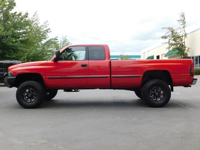 1998 Dodge Ram 2500 Laramie SLT / 4X4 / 5.9L DIESEL / 12-VALVE / 5-SPD - Photo 3 - Portland, OR 97217
