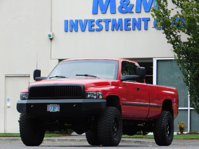 1998 Dodge Ram 2500 Laramie SLT / 4X4 / 5.9L DIESEL / 12-VALVE / 5-SPD - Photo 47 - Portland, OR 97217