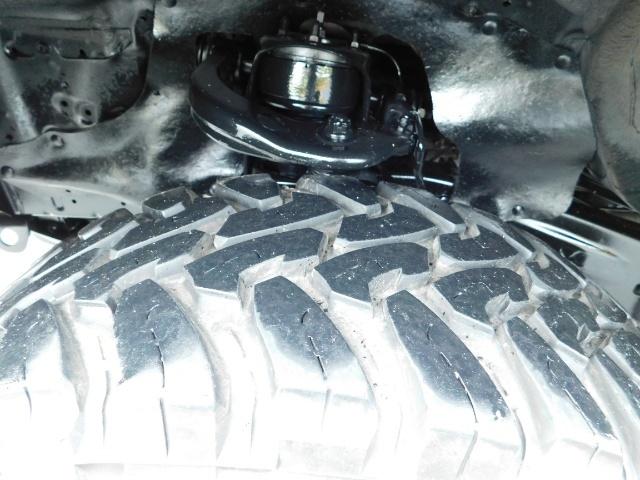 2004 Toyota Tacoma SR5 XtraCab 4x4 / V6 3.4L / TRD OFF-ROAD / LIFTED - Photo 24 - Portland, OR 97217