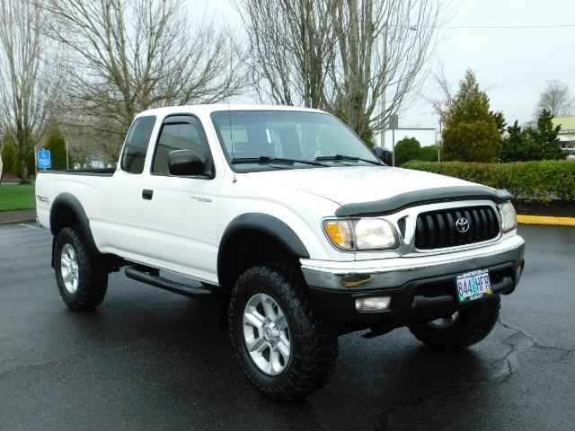 2004 Toyota Tacoma SR5 XtraCab 4x4 / V6 3.4L / TRD OFF-ROAD / LIFTED - Photo 2 - Portland, OR 97217