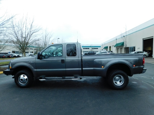 2003 Ford F-350 Lariat 4X4 / 7.3L DIESEL / 6-SPEED MANUAL / DUALLY - Photo 3 - Portland, OR 97217