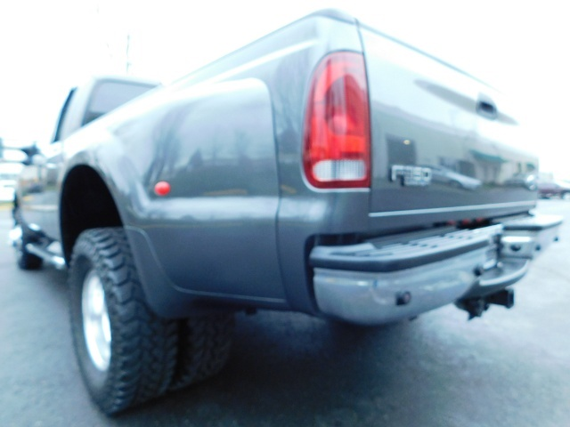 2003 Ford F-350 Lariat 4X4 / 7.3L DIESEL / 6-SPEED MANUAL / DUALLY - Photo 12 - Portland, OR 97217