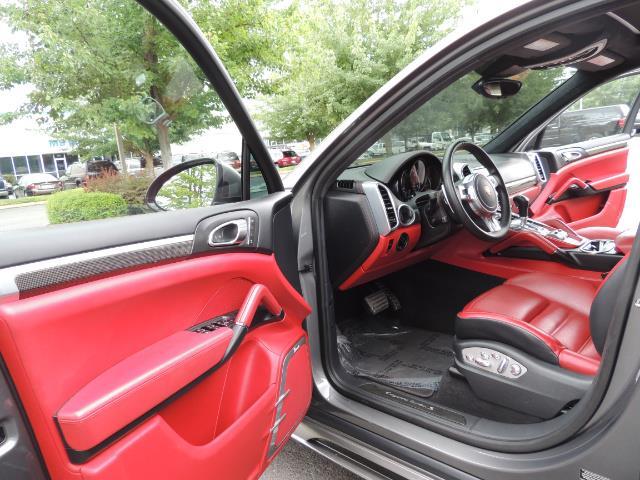 2014 Porsche Cayenne Turbo S / Panoramic Roof/ Burmester/  Niche Wheels - Photo 13 - Portland, OR 97217