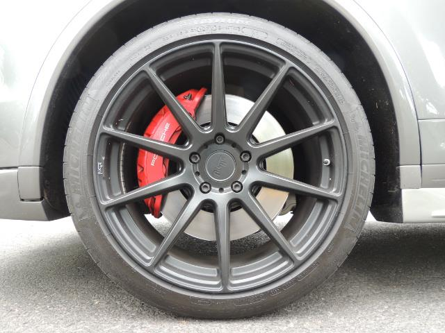 2014 Porsche Cayenne Turbo S / Panoramic Roof/ Burmester/  Niche Wheels - Photo 22 - Portland, OR 97217