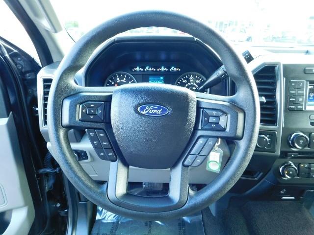 2017 Ford F-150 XLT Crew Cab 4x4 / 8CYL 5.0 / Full Warranty LIFTED - Photo 19 - Portland, OR 97217