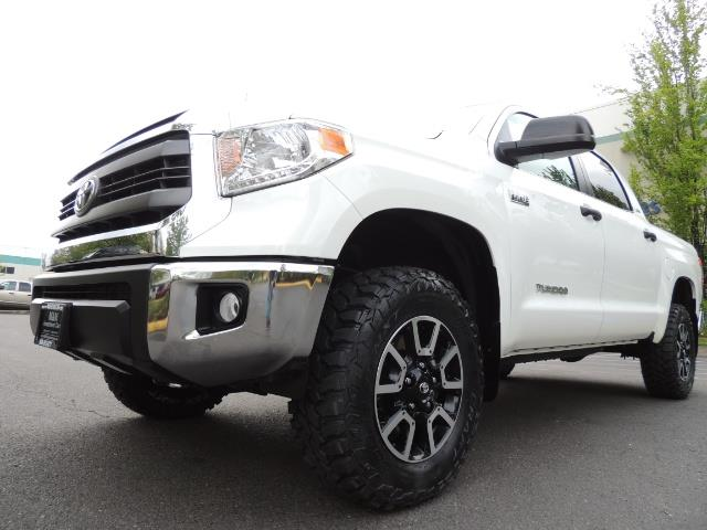 2014 Toyota Tundra SR5 / CrewMax / 4X4 / 5.7L / LEATHER / 1-Owner - Photo 9 - Portland, OR 97217