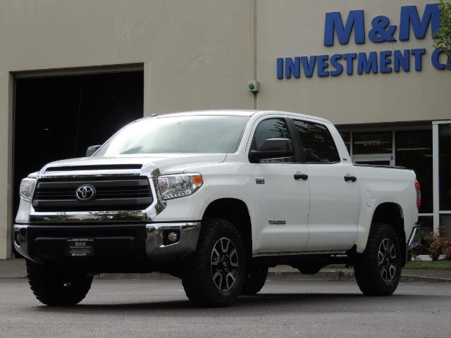 2014 Toyota Tundra SR5 / CrewMax / 4X4 / 5.7L / LEATHER / 1-Owner - Photo 40 - Portland, OR 97217