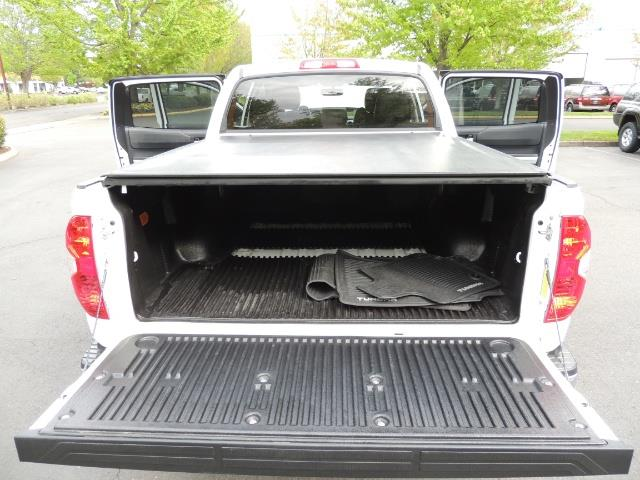 2014 Toyota Tundra SR5 / CrewMax / 4X4 / 5.7L / LEATHER / 1-Owner - Photo 24 - Portland, OR 97217