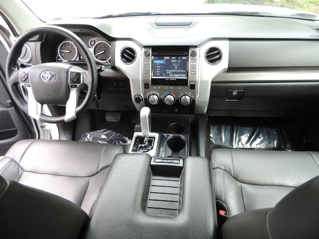 2014 Toyota Tundra SR5 / CrewMax / 4X4 / 5.7L / LEATHER / 1-Owner - Photo 20 - Portland, OR 97217