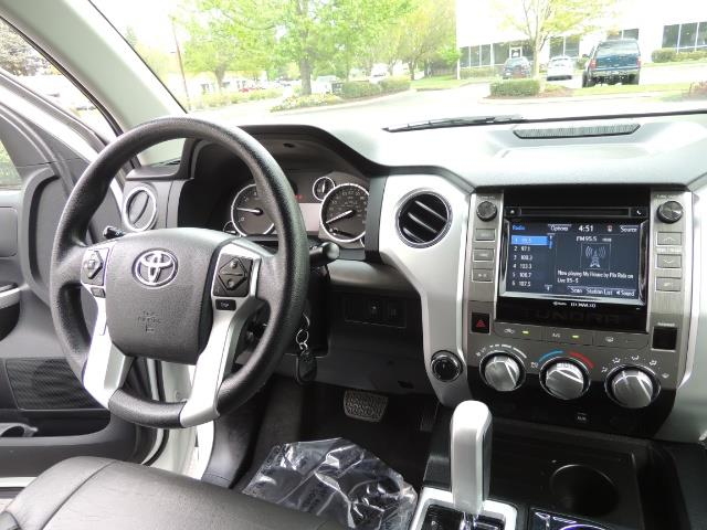 2014 Toyota Tundra SR5 / CrewMax / 4X4 / 5.7L / LEATHER / 1-Owner - Photo 18 - Portland, OR 97217