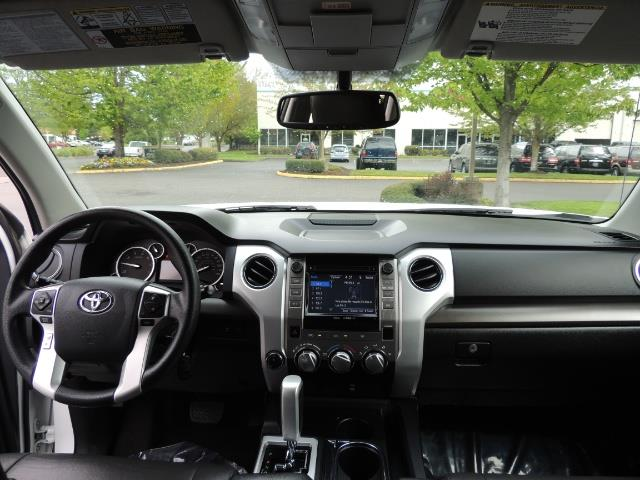 2014 Toyota Tundra SR5 / CrewMax / 4X4 / 5.7L / LEATHER / 1-Owner - Photo 36 - Portland, OR 97217
