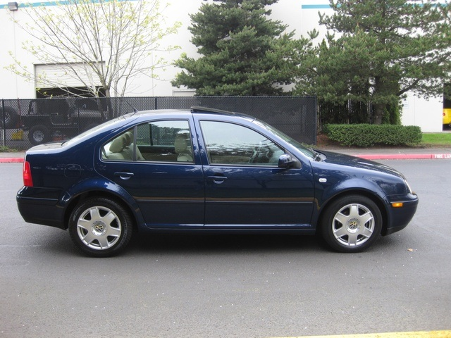 2001 Volkswagen Jetta GLX VR6 / Leather/ Heated seats/moonroof