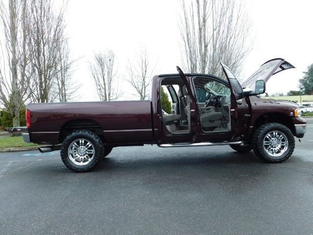 2005 Dodge Ram 2500 SLT 4X4 / Diesel 5.9L Cummins / Nav / 1-OWNER LIFT - Photo 30 - Portland, OR 97217